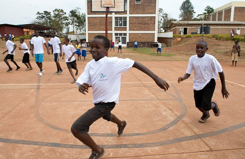 African children playing basketball