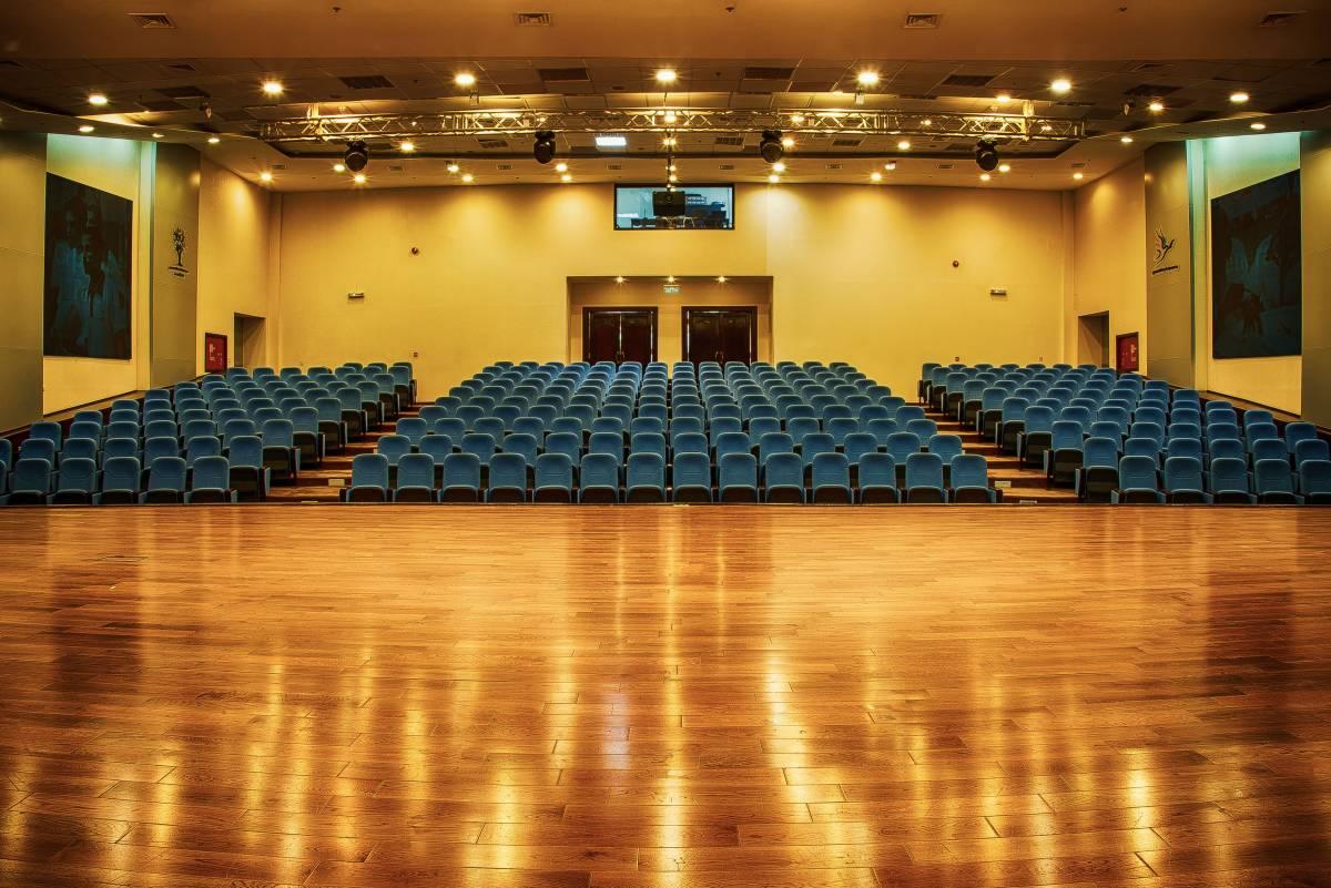 1-auditorium-generations-for-peace-jordan-amman-facilities-headquarters-rent-hire
