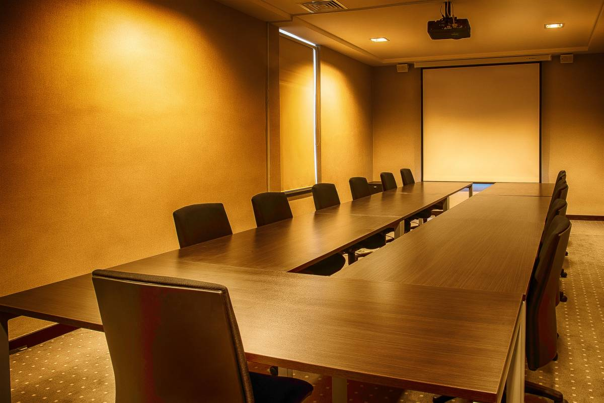 vip-2-room-waiting-area-meeting-room-luxury-service-full-generations-for-peace-jordan-amman-facilities-headquarters