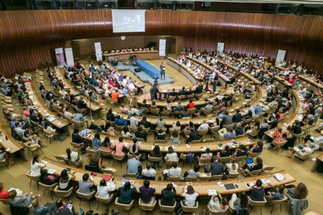 مشاركة المتطوعتين زينب وسلامة في محادثات جنيف للسلام 2019