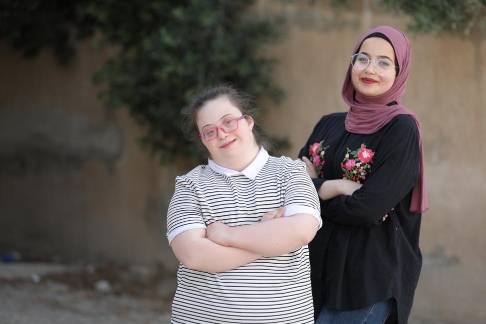 """من خلال """"مهاراتي""""، آية وفرح تنتصران للأشخاص ذوي الإعاقة"""